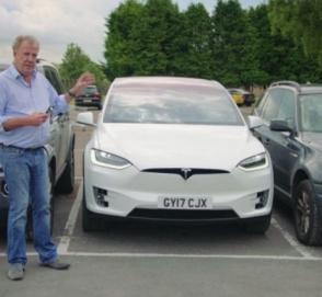 Джереми Кларксон протестировал Tesla Model X