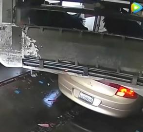 Упорный китаец сломал автомойку