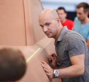 Американцы построят электропикап с 360-миллиметровым клиренсом