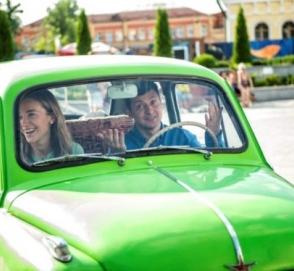 Автопарк Зеленского: стало известно, каким машинам отдает предпочтение кандидат в президенты