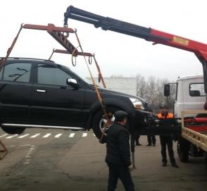 В Киеве начали работать первые муниципальные парковочные инспекторы
