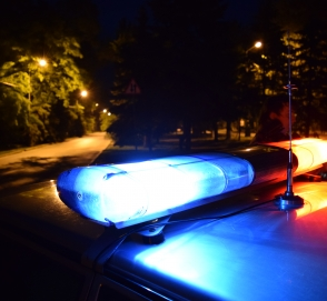 Автомобилист получил штраф за обгон слишком медленно едущего автомобиля полиции