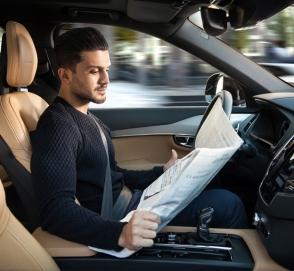 Автопилот или водитель? Кто больше тратит топлива во время поездки