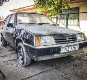 В Украине обнаружили ВАЗ-21099, который четверть века простоял в гараже»