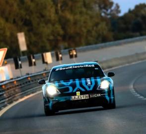 Первый электрокар Porsche совершил 24-часовой заезд на выносливость