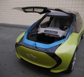 Mini представил автомобиль с двумя багажниками