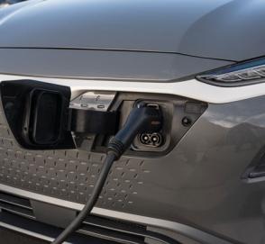 К 2021 году компания Hyundai выпустит новый электрический кроссовер