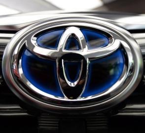 Опубликованы свежие изображения рестайлингового Toyota Land Cruiser Prado