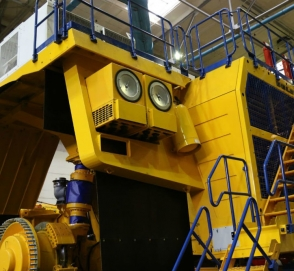 БелАЗ построил 2850-сильный самосвал