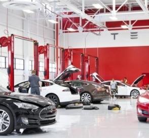 В Польше и Чехии откроют официальный салон и сервис Tesla