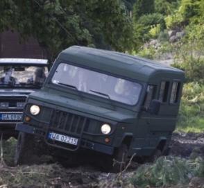 В Польше неравнодушные очевидцы помогли министру вытянуть авто из грязи