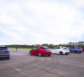 Сразу четыре поколения Honda Civic сравнили в гонке