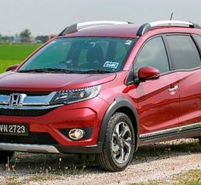 Обновлённый кроссовер Honda BR-V добрался до дилеров
