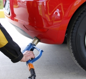 Импорт автогаза упал на треть после введения пошлин на топливо из России
