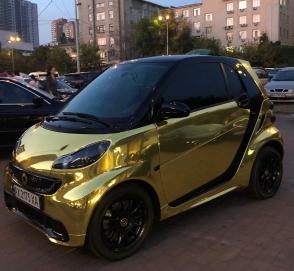 В Украине заметили «золотой» Smart