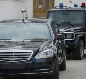 22 автомобиля: кортеж Зеленского шокировал украинцев