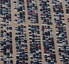 Volkswagen арендует аэропорт для хранения машин, которые нельзя продать
