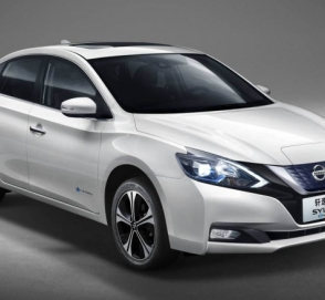 Nissan Leaf стал седаном
