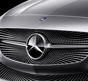 Mercedes-Benz приоткрыл еще одну новинку