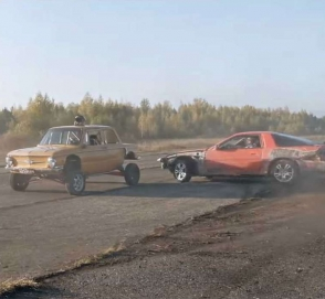 «Джимхана по-русски»: Toyota Supra против ЗАЗ-968