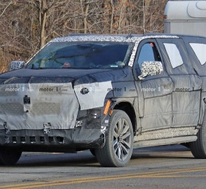 Новый Cadillac Escalade впервые замечен на тестах