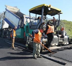 Гройсман отчитался об улучшении ситуации с ремонтом дорог