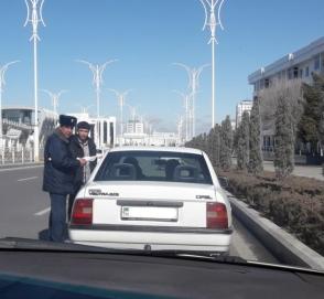 У женщин Туркмении отбирают права