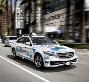 Mercedes-Benz запускает беспилотное такси и каршеринг
