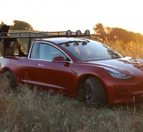 Блогеры переделали Tesla Model 3 в пикап