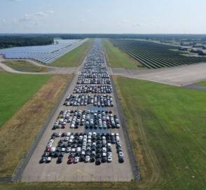 Журналисты нашли огромное «кладбище недоделанных Mercedes-Benz»