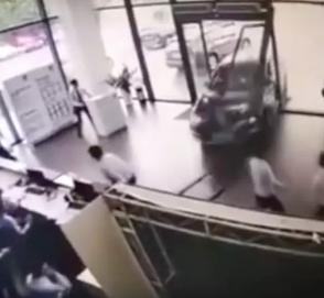 Первая поездка на BMW X1 закончилась аварией