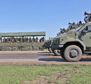 Американские ракеты Джавелин уже на украинских бронеавтомобилях