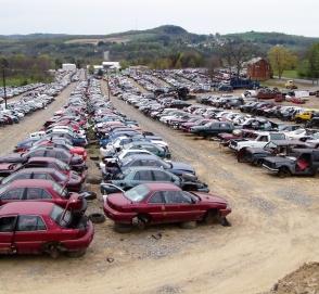 Какие автомобили попадают на самую большую автосвалку в мире