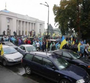 «Евробляхеры» готовы опять протестовать, если власть не снизит стоимость растаможки