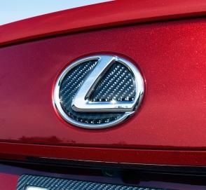 Поклонники Lexus разочарованы дизайном новых автомобилей марки