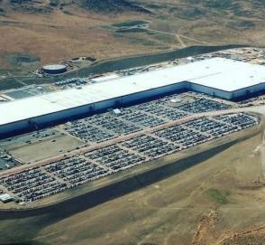 Глава Volkswagen прокомментировал «переезд» Tesla в Германию