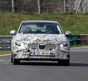 Новый Mercedes-Benz C-Class застигли на «Нордшляйфе»