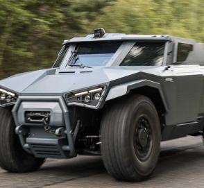Во Франции показали броневик Volvo, умеющий ездить боком