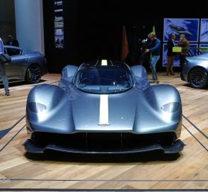 Мощность больше массы: известны новые подробности о гиперкаре Aston Martin