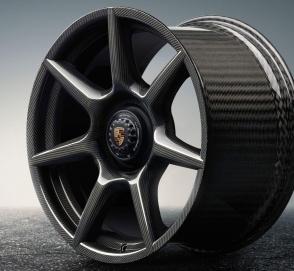 Компания Porsche сделала колесные диски из углерода