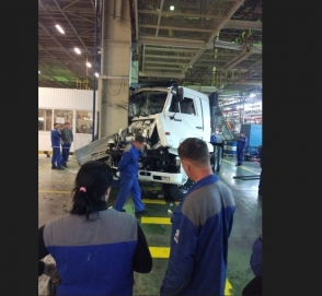 Как выглядит ДТП на заводе по сборке КАМАЗов