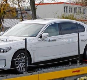 Электрический BMW i7 впервые попался фотошпионам