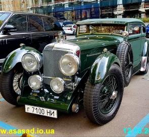 В Украине замечен культовый Bentley возрастом почти 90 лет