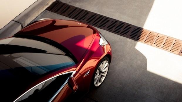 Компания Tesla запатентовала аккумулятор-миллионник