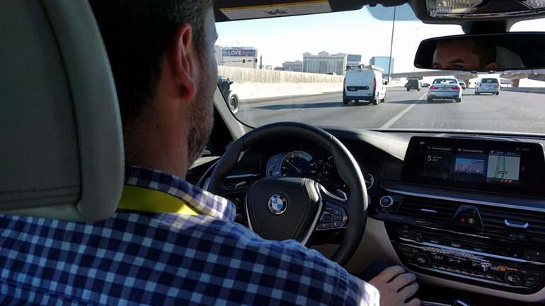 BMW занимается развитием автономных технологий