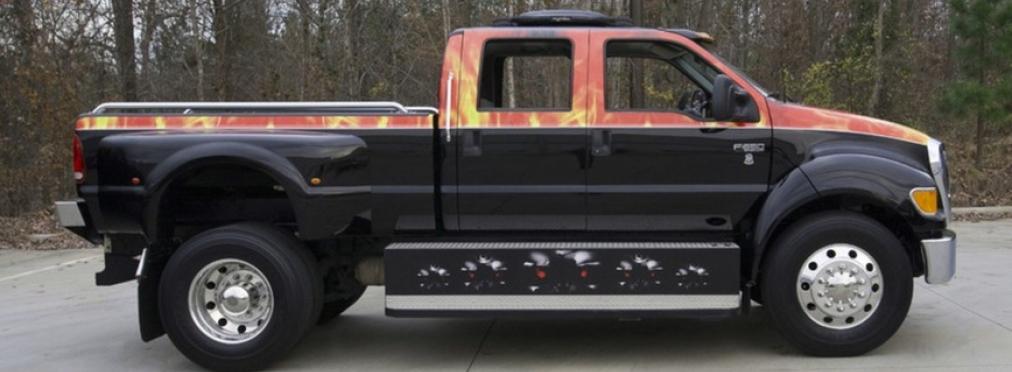 Огромный Ford F-650 затюнинговали под стиль «Терминатора» — в разделе «Звук и тюнинг» на сайте AvtoBlog.ua