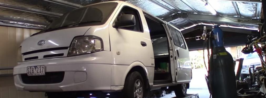 Австралийцы с юмором подошли к переделке микроавтобуса Kia Pregio — в разделе «Звук и тюнинг» на сайте AvtoBlog.ua