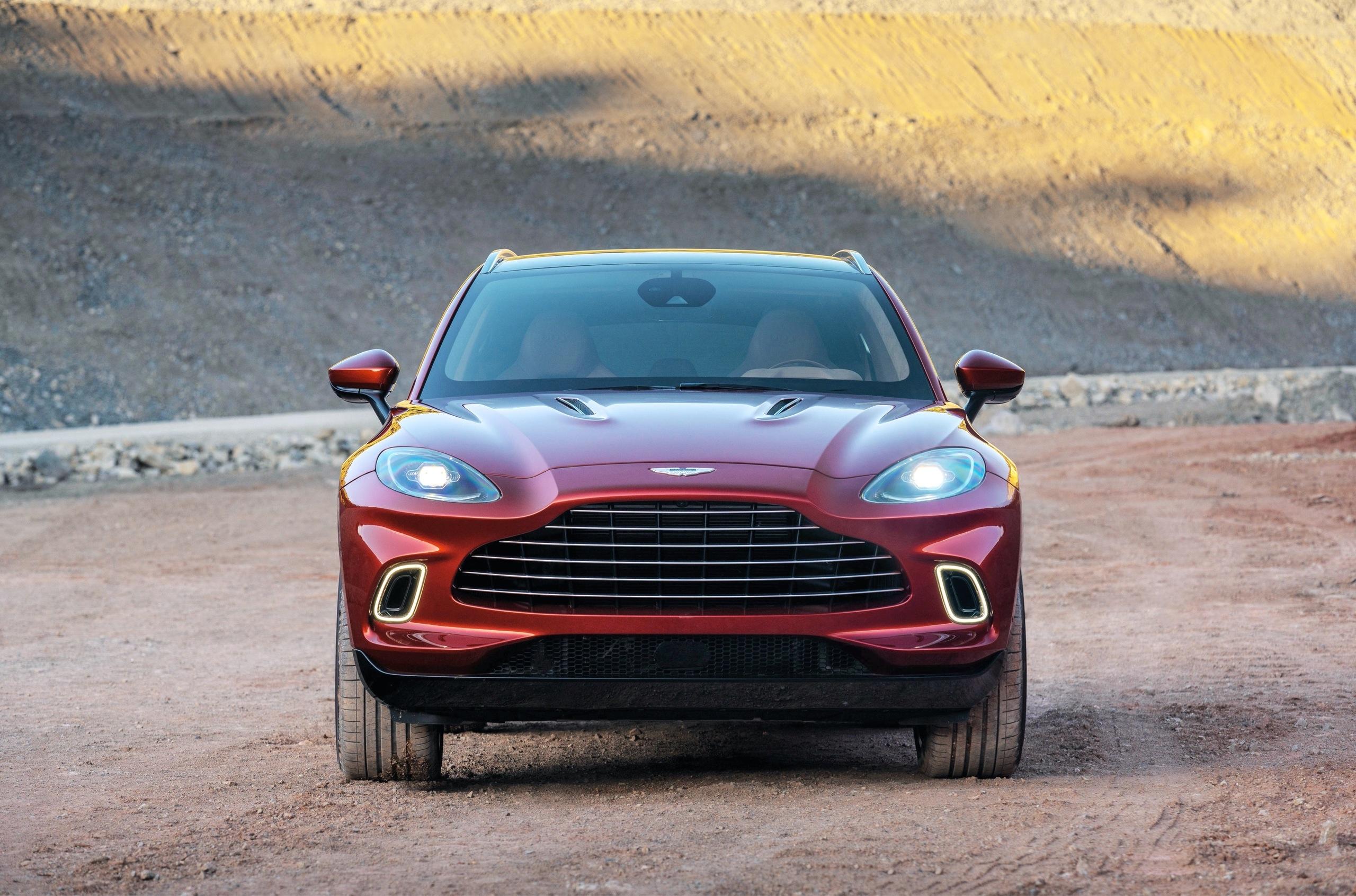 Обзор кроссовера Aston Martin DBX